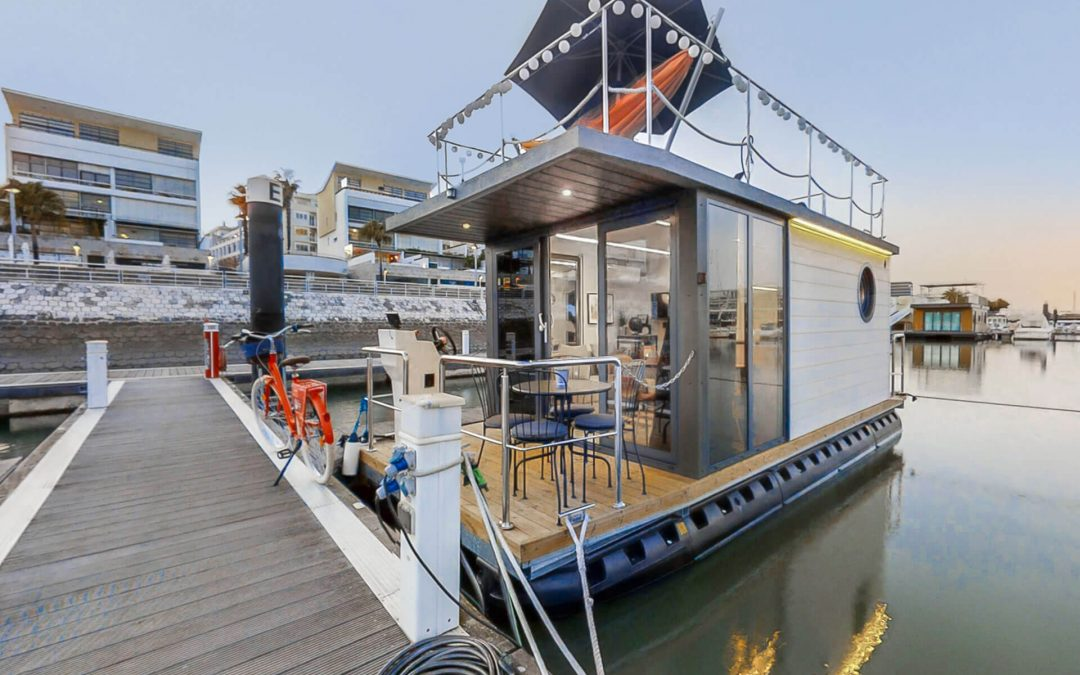 DISCOVER THE NEW HOUSEBOATS